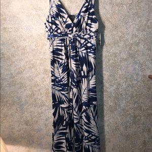 Covington SZ L maxi dress NWT plunge neckline